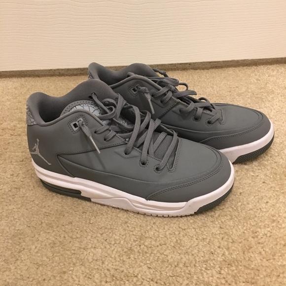 super popular 9dc94 558a4 Boys Jordans Like New - Grey - sz. 5Y/wmns 6.5